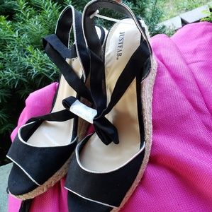 Brand new size 10 wedges